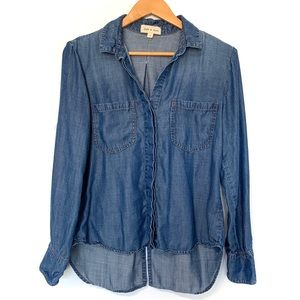 Cloth and stone Chambray button up top blue sheen